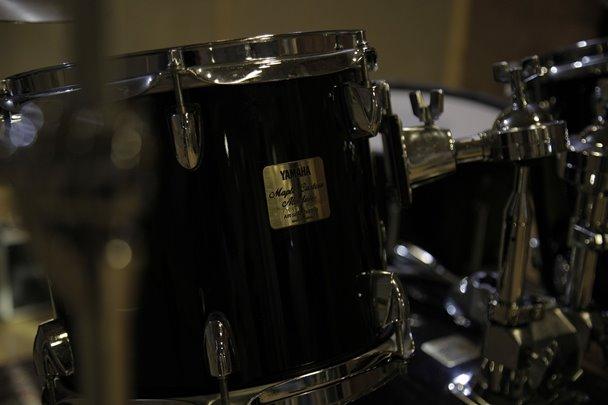 ドラム タムタム 大きさ