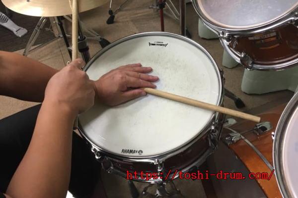 クロス・スティック奏法