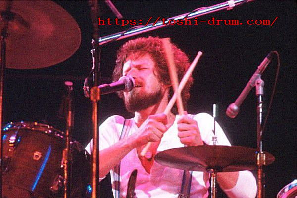 ドラムボーカル